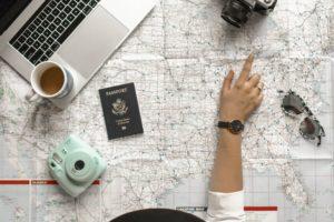Préparation voyage en avion vers Agadir