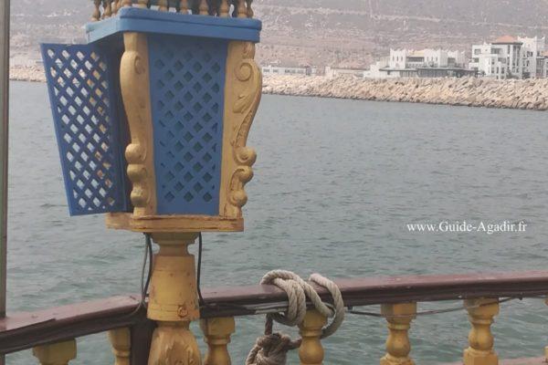 Vue sur la mer d'Agadir depuis un bateau